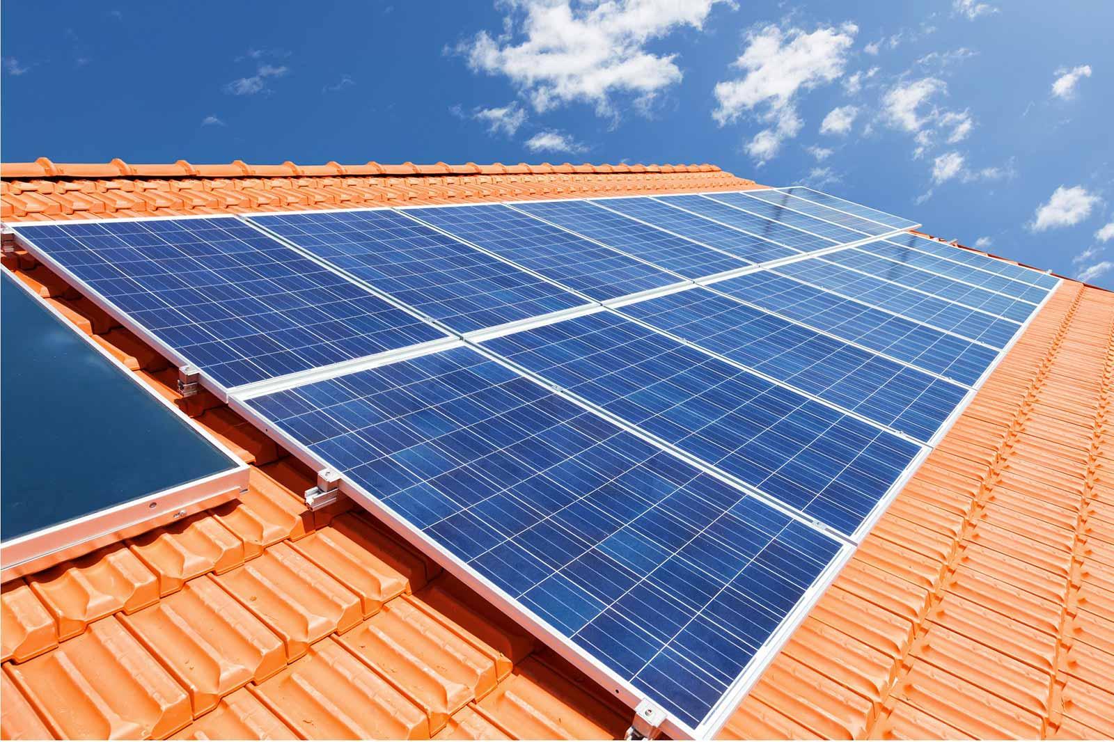 installazione-e-manutenzione-pannelli-solari-a-cattolica